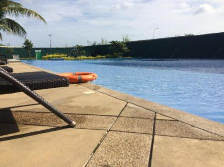 Swimming pool Kara's Family 2BR Condo Unit.*****