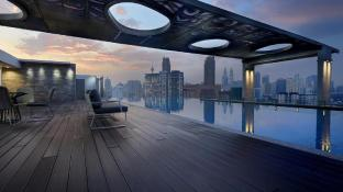 A Spacious Suite Near LRT, AMAZING Infinity Pool