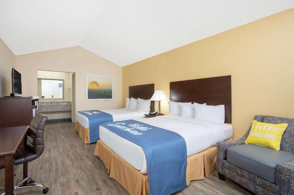 2 Queen Beds Accessible Non-Smoking - Guestroom