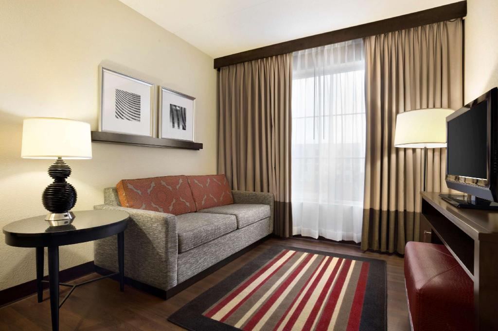 1 King Suite Pure Wellness - Guestroom Embassy Suites Jackson  North Ridgeland