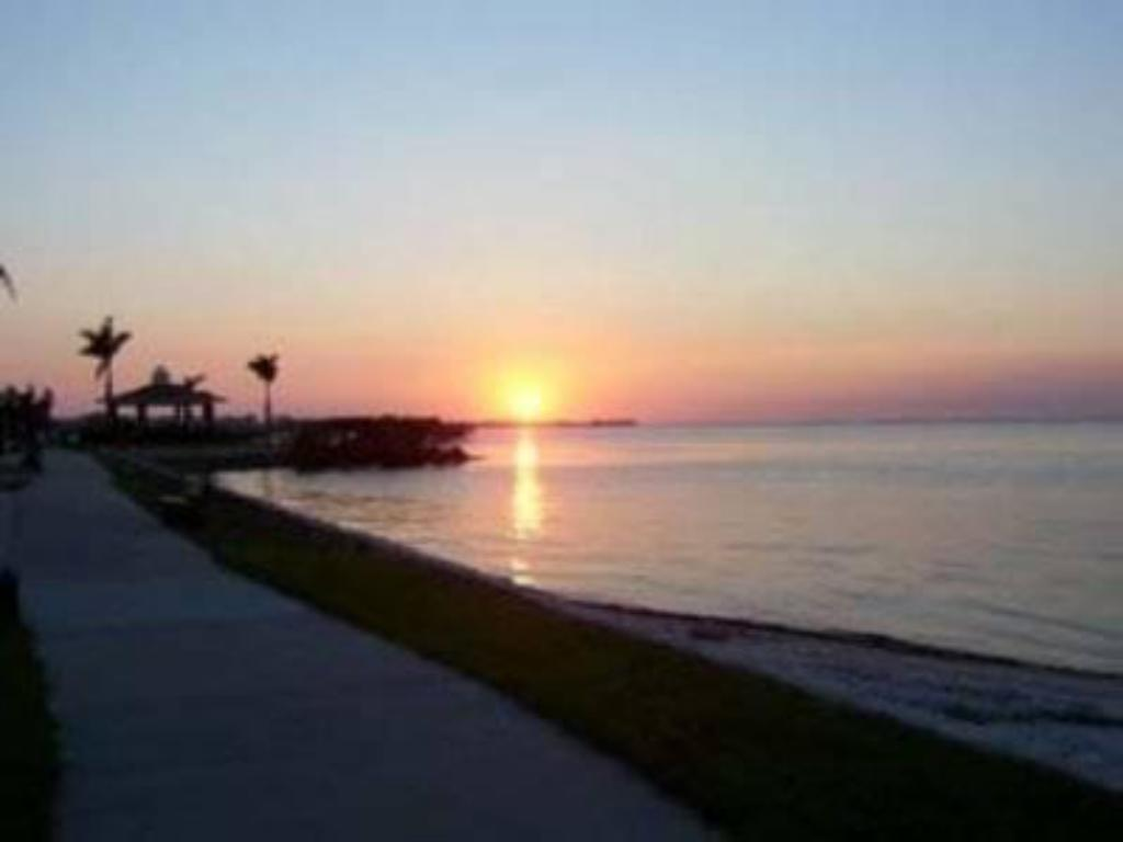 Beach Punta Gorda Waterfront Hotel & Suites