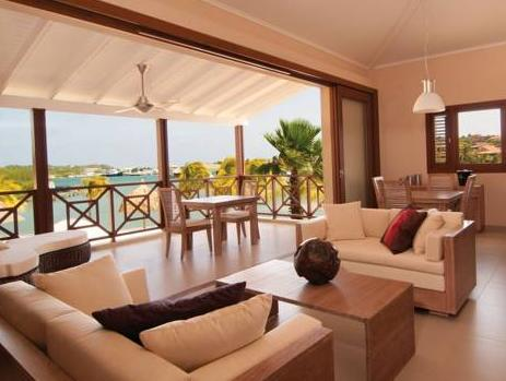 Luxury Two-Bedroom Apartment - Beach Front