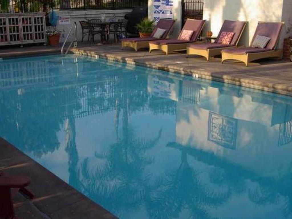 Swimming pool Laguna Beach Inn