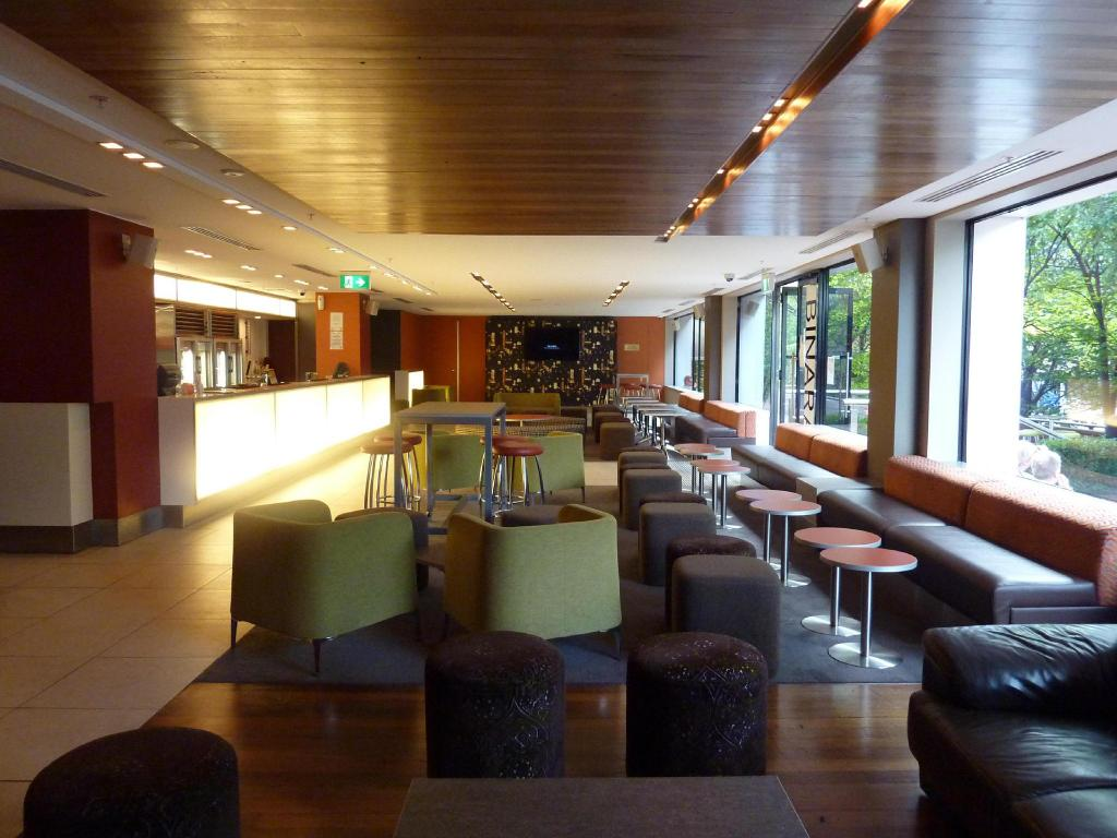 Bar/lounge Crowne Plaza Canberra