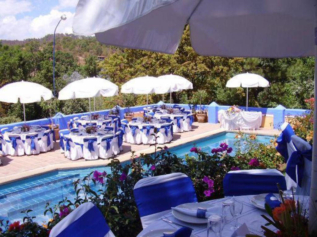 Swimming pool Loto Azul Hotel & Spa