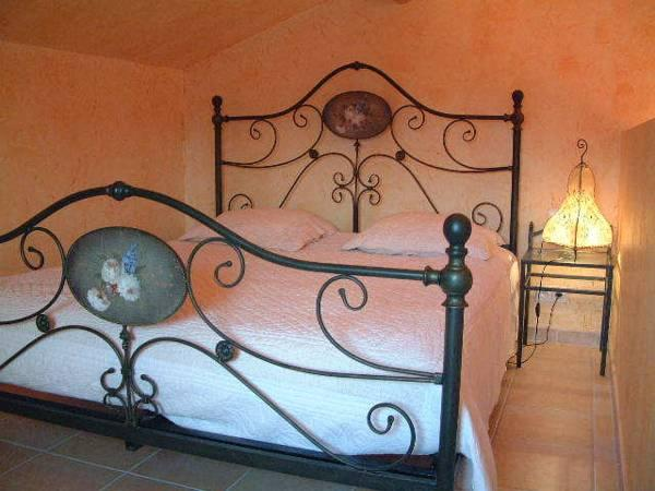 Estudi Familiar (2 Adults + 2 Nens) (Family Studio (2 Adults + 2 Children))