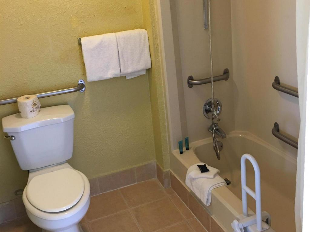 Bathroom Americas Best Value Inn & Suites - Conyers, GA