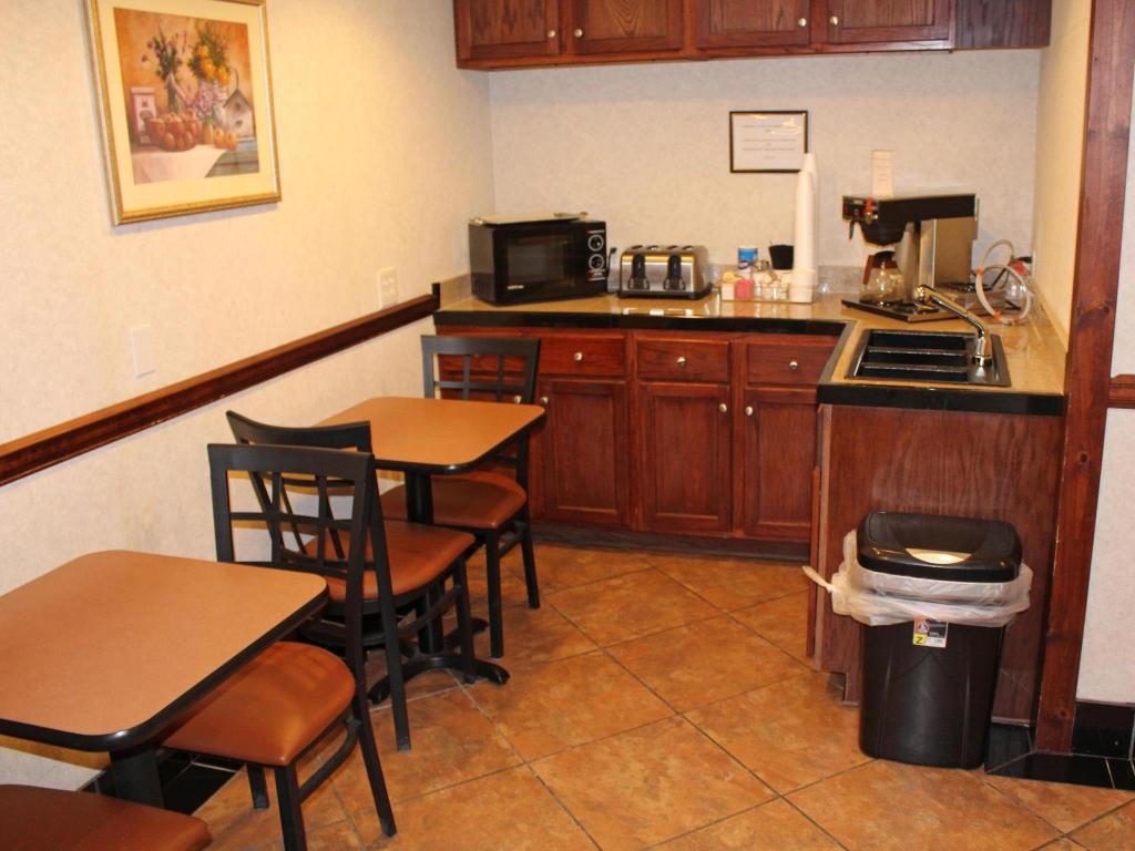 See all 16 photos Americas Best Value Inn & Suites - Conyers, GA