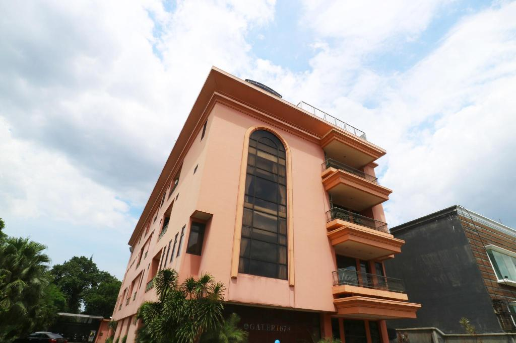 Best Price On Hotel 678 Kemang In Jakarta Reviews