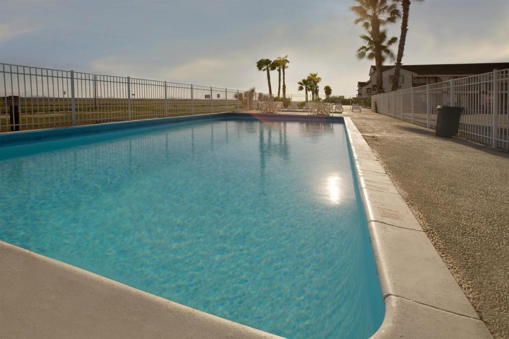Outdoor Swimming Pools In Portland Or Outdoor Designs