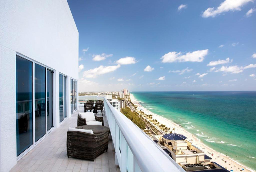 Penthouse 2 Bedroom Oceanfront - View Conrad FortLauderdale Beach
