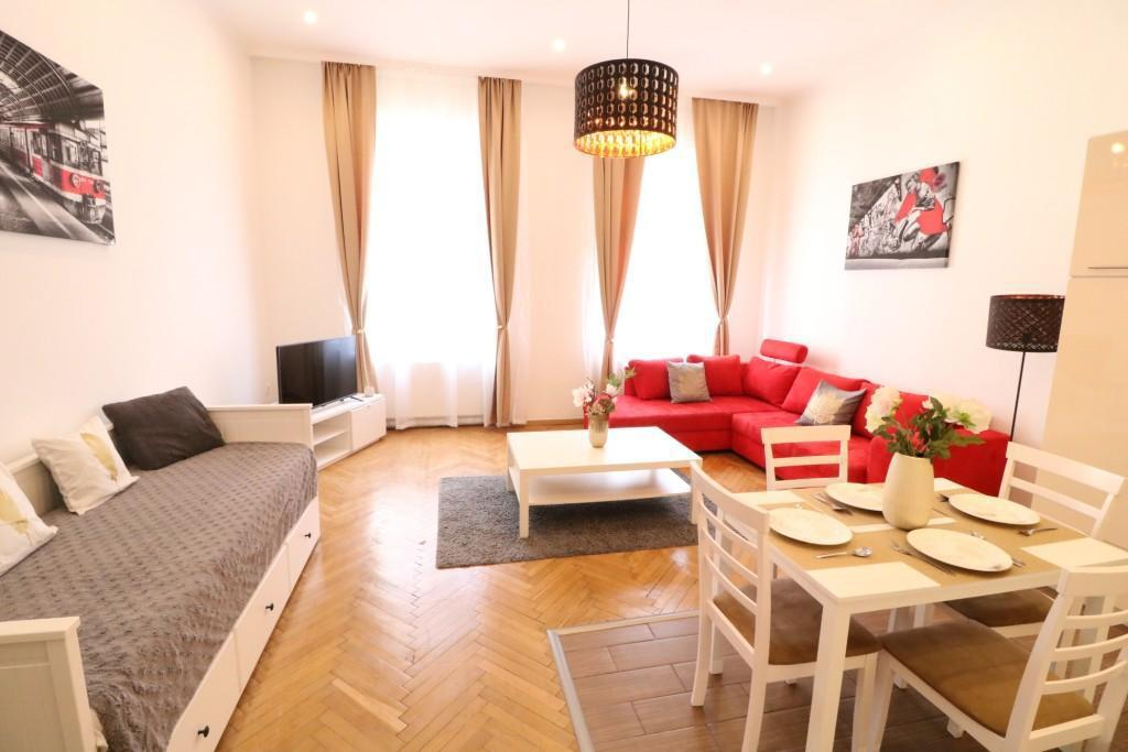Real Apartments Revay