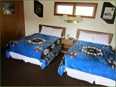 Doppelzimmer mit 2 Doppelbetten, Nichtraucher (Double Room with Two Double Beds- Non Smoking)