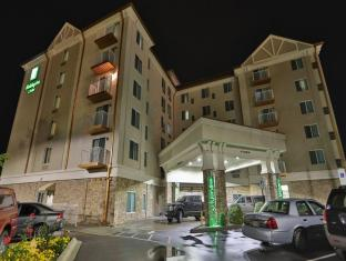 Holiday Inn hotel &Suites Arden -Asheville Airport