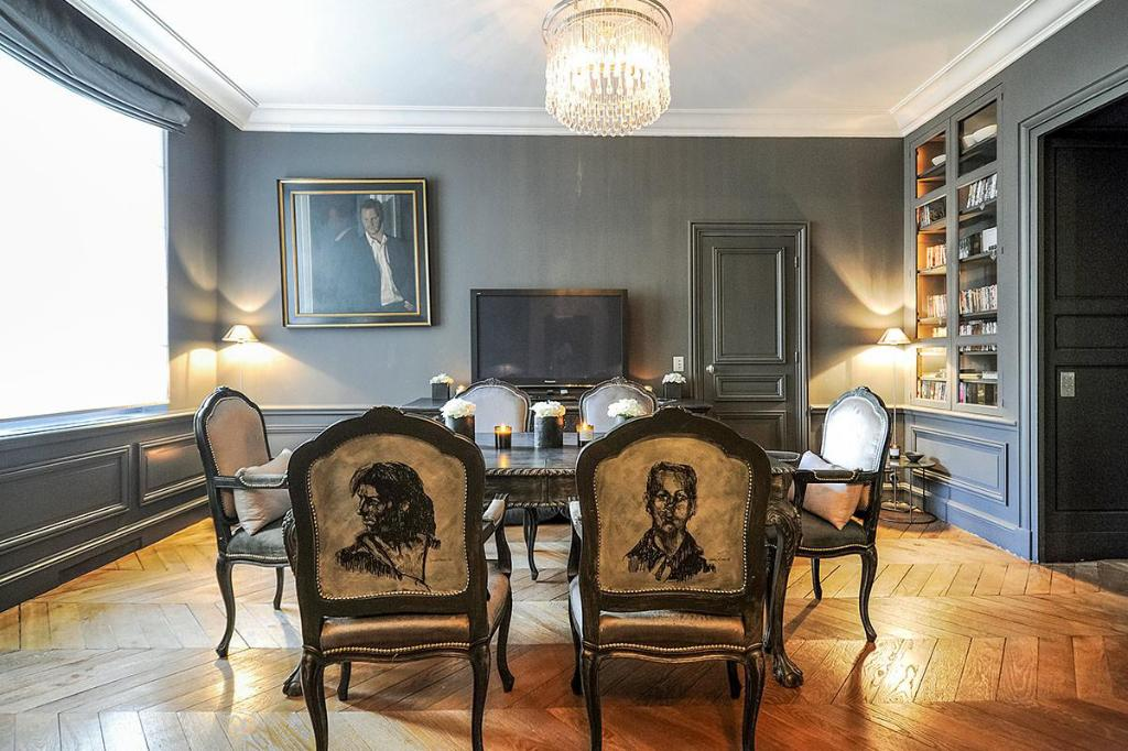Dining room/area Amazing apartment on heart the Paris
