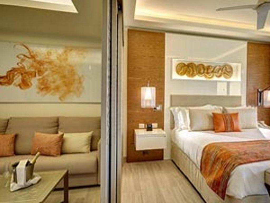 Luxury Family Suite Ocean View Diamond Club - кровать