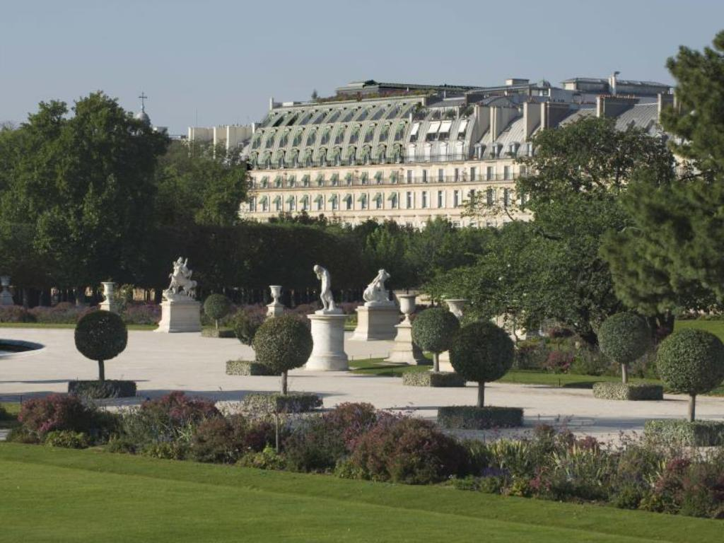 Best price on le meurice hotel in paris reviews for Hotel france