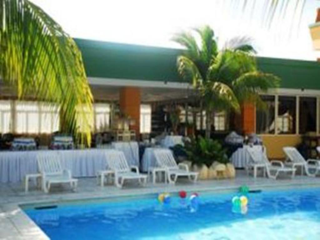 Swimmingpool Hotel Peten