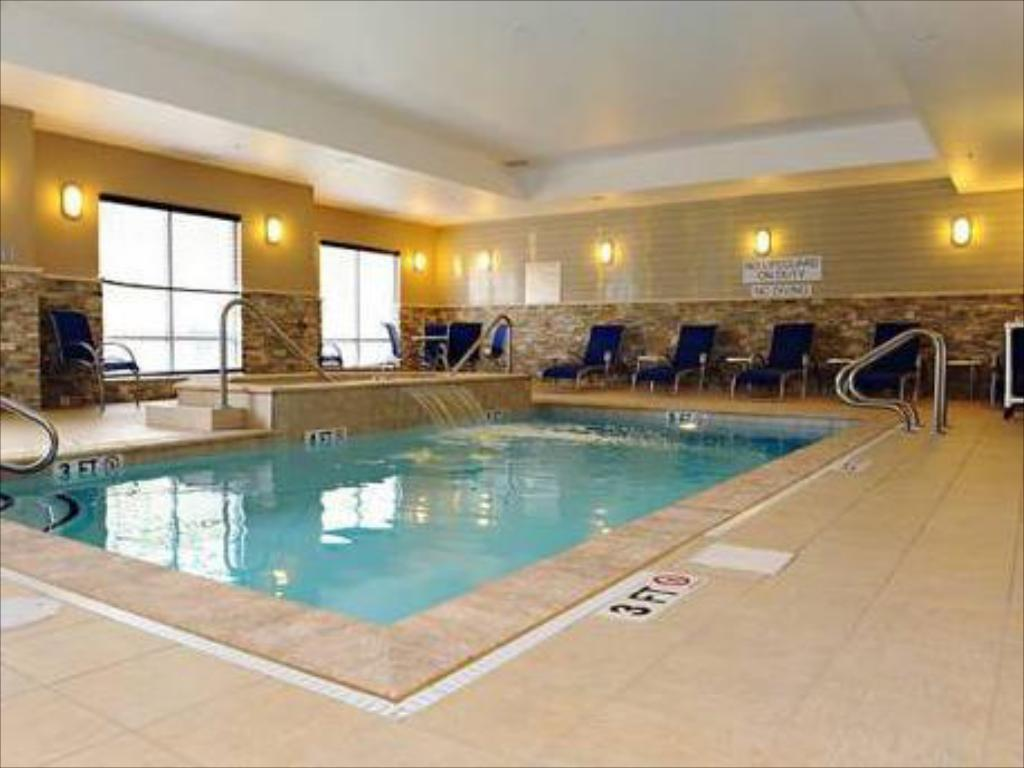 Piscina Fairfield Inn & Suites Slippery Rock