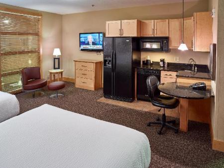 Executive Queen Room - Non-Smoking - Bed LivINN Hotel Minneapolis North / Fridley