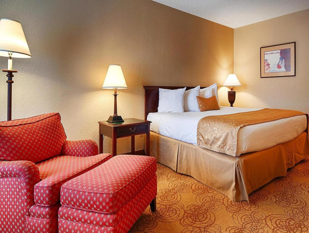 King Room - Smoking - Guestroom Best Western Pine Springs Inn