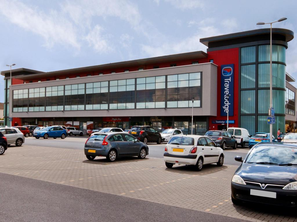 Best Price On Travelodge Llanelli Central In Llannon Reviews
