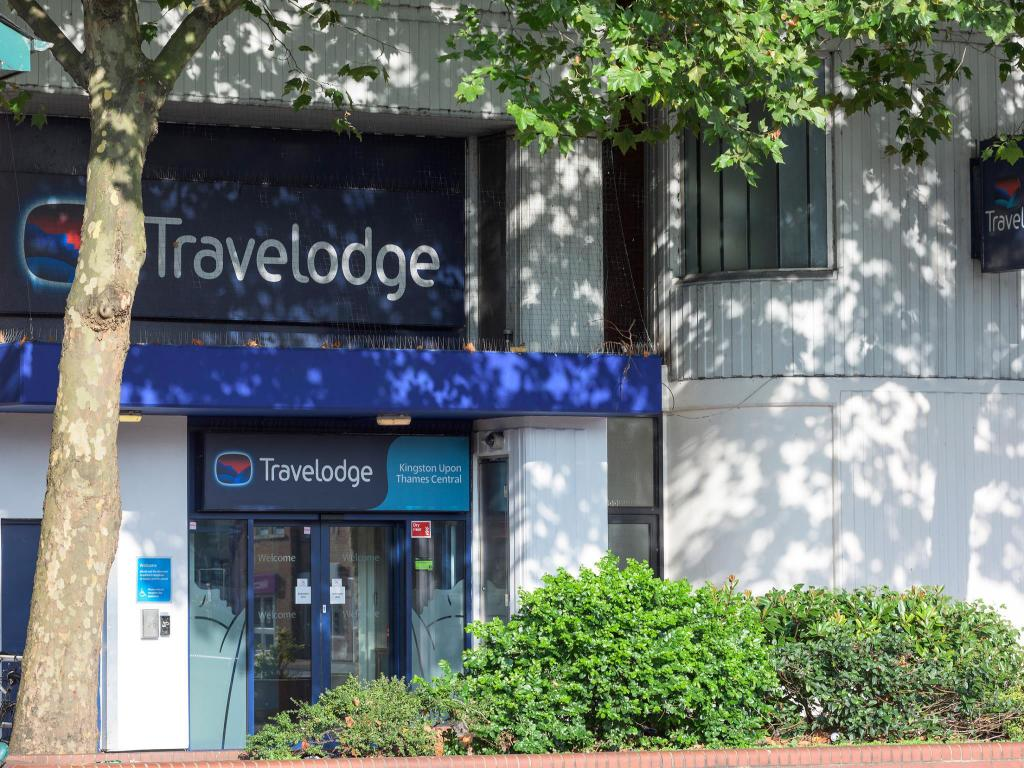 91659b845692d4 Travelodge Kingston upon Thames Central in London - Room Deals ...