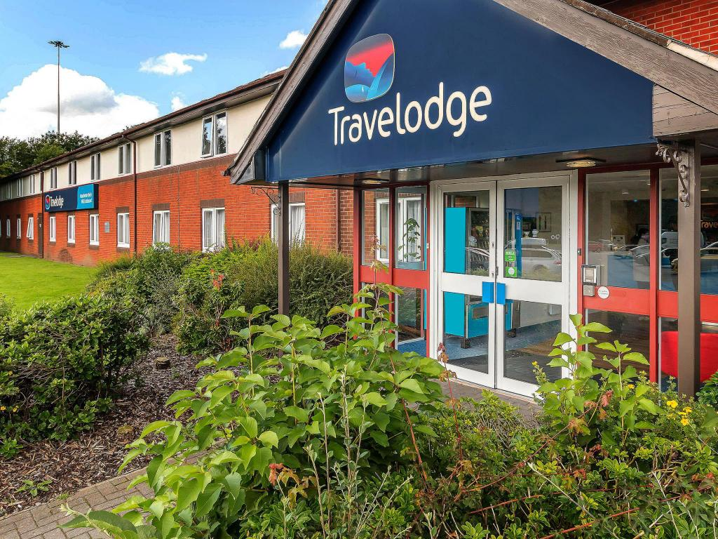 More about Travelodge Manchester Birch M62 Eastbound