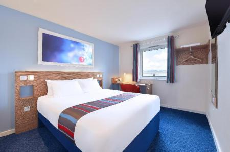 Double Room - Bedroom Travelodge Cambridge Orchard Park