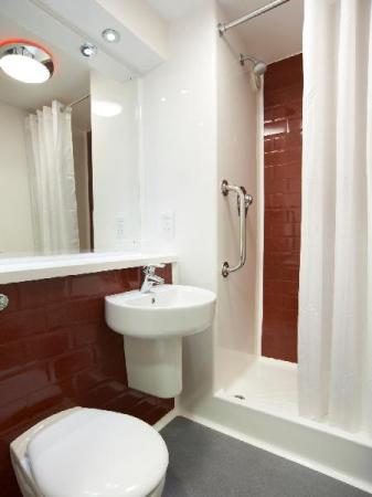 Double Room - Bathroom Travelodge Cambridge Orchard Park