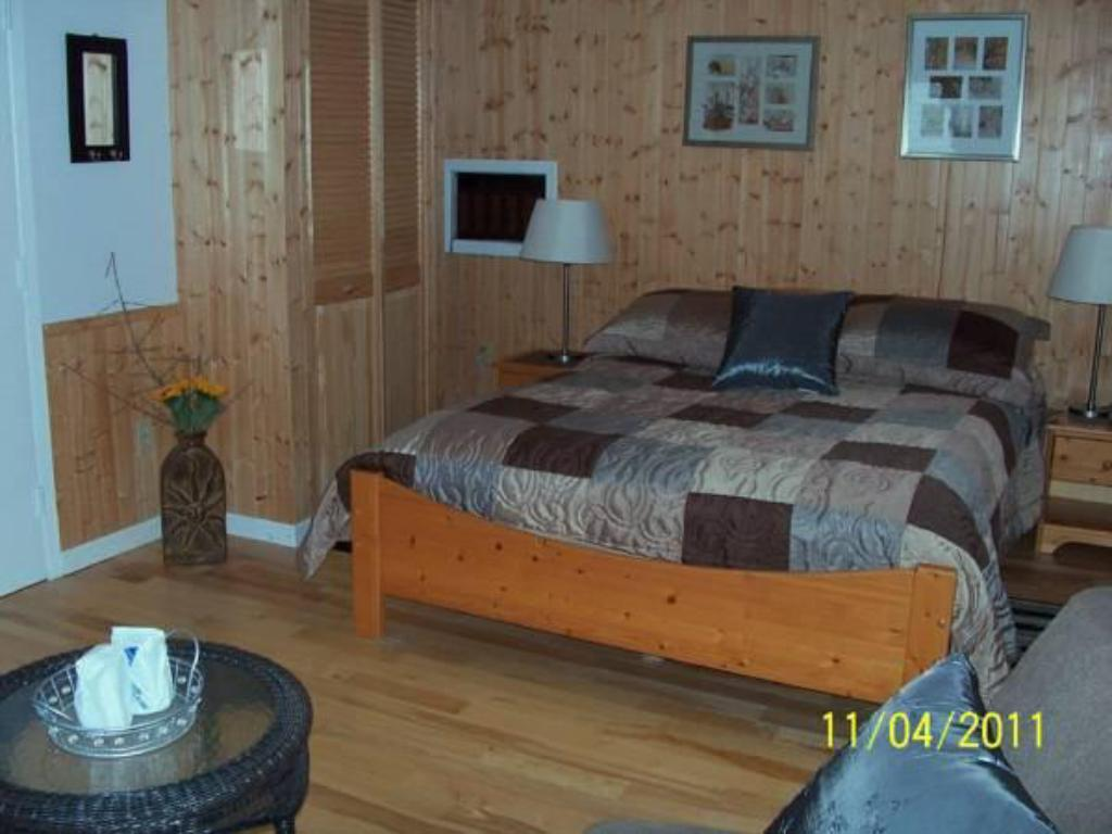 St Mary S River Lodge In Sherbrooke Ns Room Deals