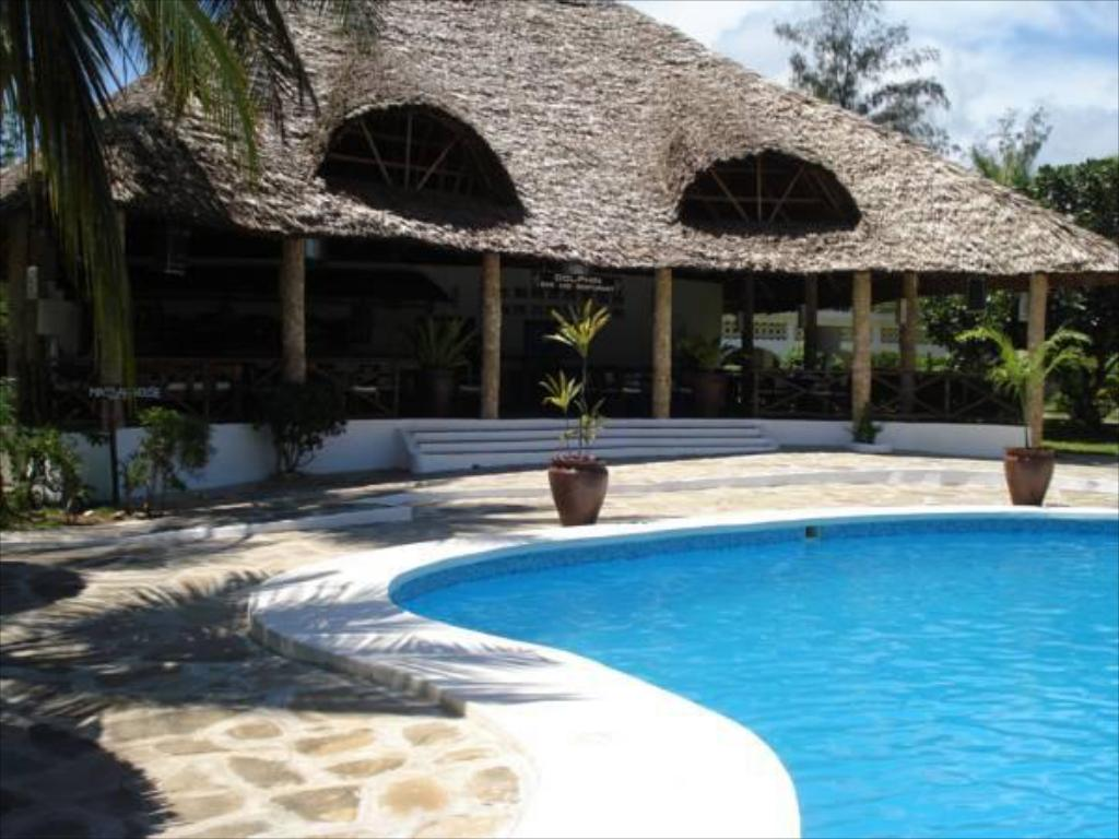Swimming pool Villas Watamu Resort