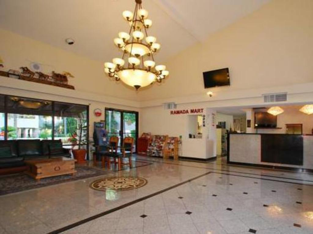 ردهة رمادا فوت هليز إن آند سويتس (Ramada Foothills Inn Suites)