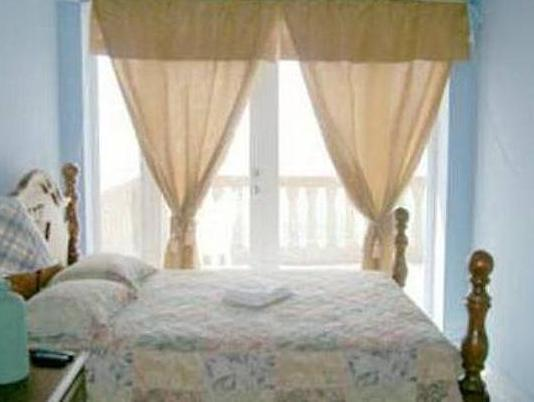 Queensize kamer met uitzicht op oceaan (Queen Room with Ocean View)