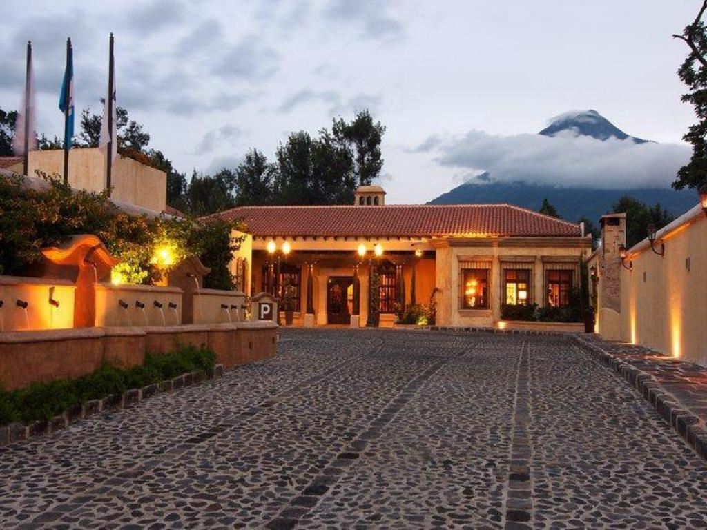 Exterior view Camino Real Antigua