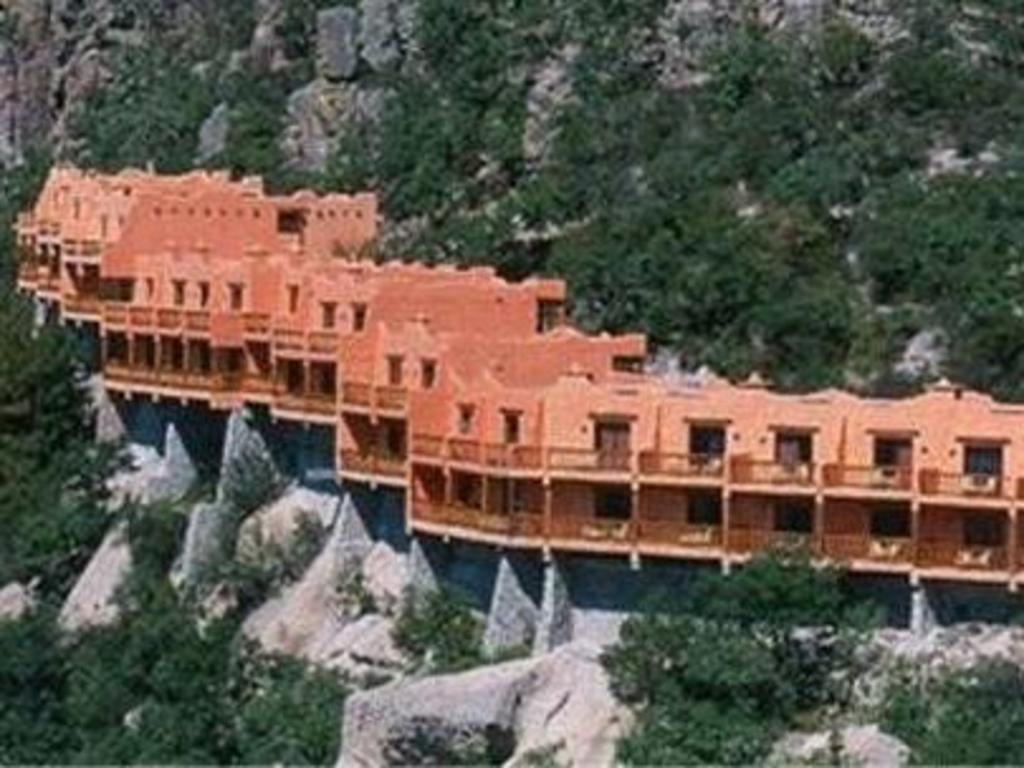 More About Hotel Mirador Posada Barranca