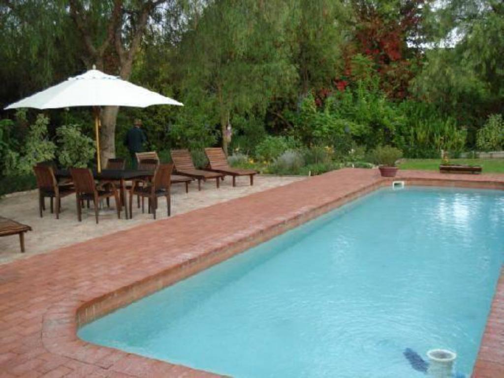 Swimming pool Port Wine Guest House