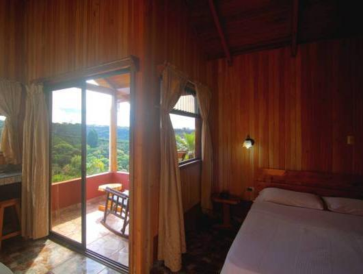 雙人房-附陽台 (Double Room with Balcony)