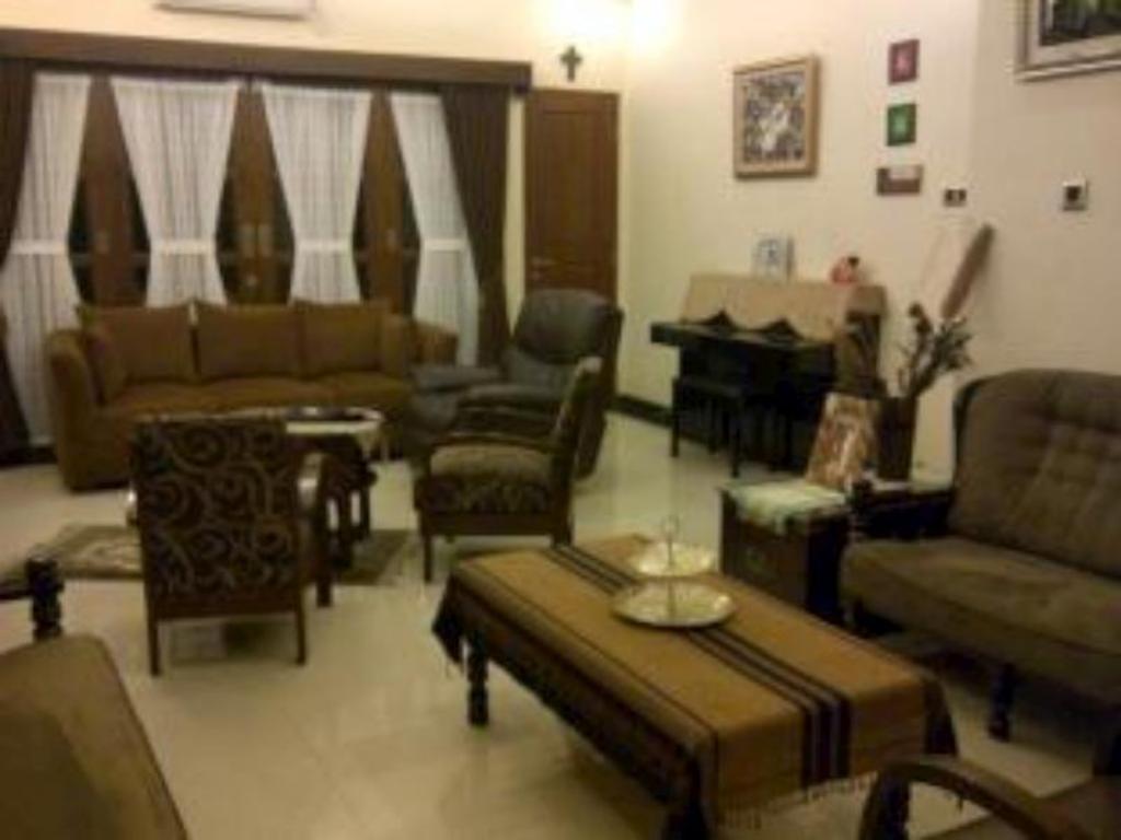 Best Price On Rumah Kos Tebet Barat House In Jakarta Reviews