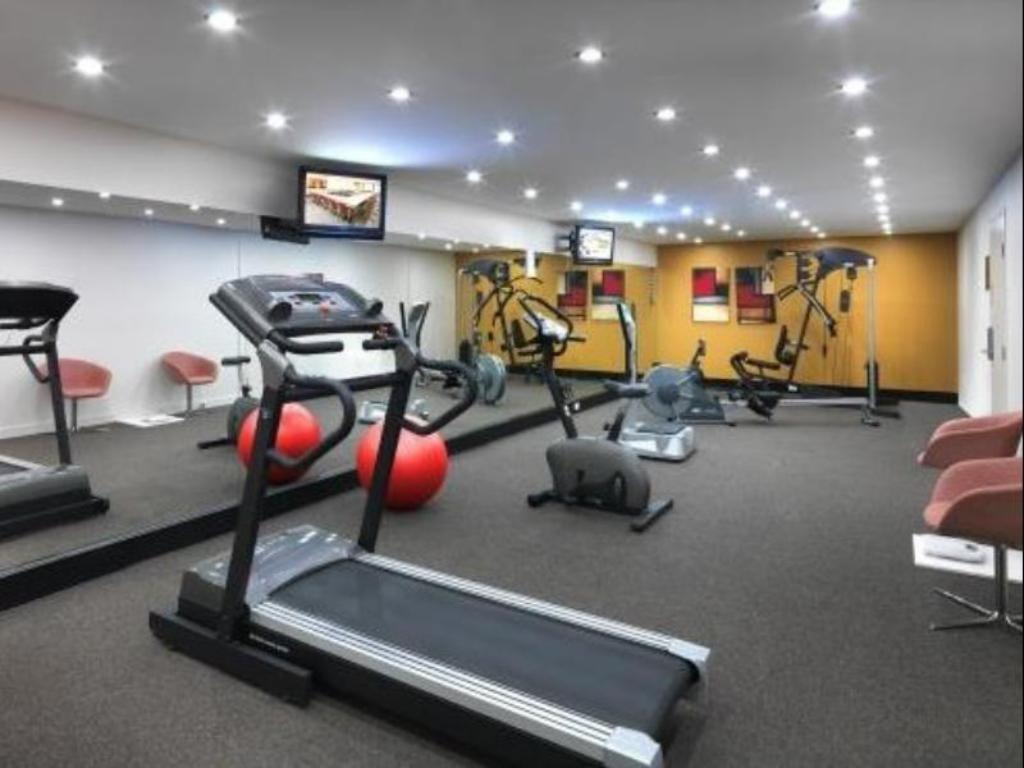Fitness center Quest Albury Apartment