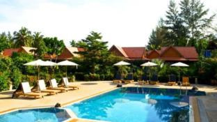 Gerd and Noi resort