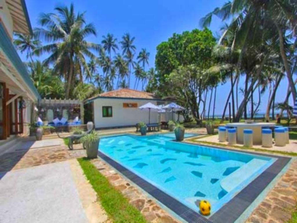 Best price on mihiri beach house in unawatuna reviews for Ecr beach resorts with swimming pool prices