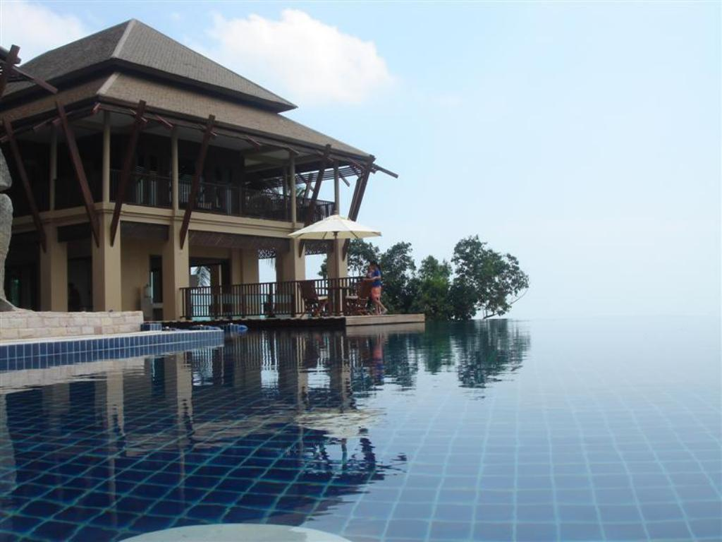 Swimming pool Samui Ridgeway Estate & Spa