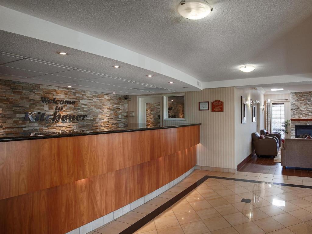 Best Western PLUS Kitchener Hotel in Kitchener (ON) - Room Deals ...