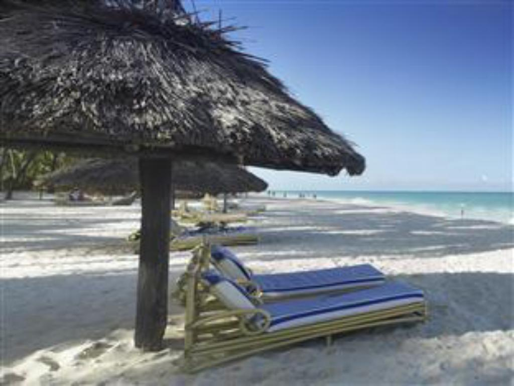 Strand Diani Reef Beach Resort & Spa