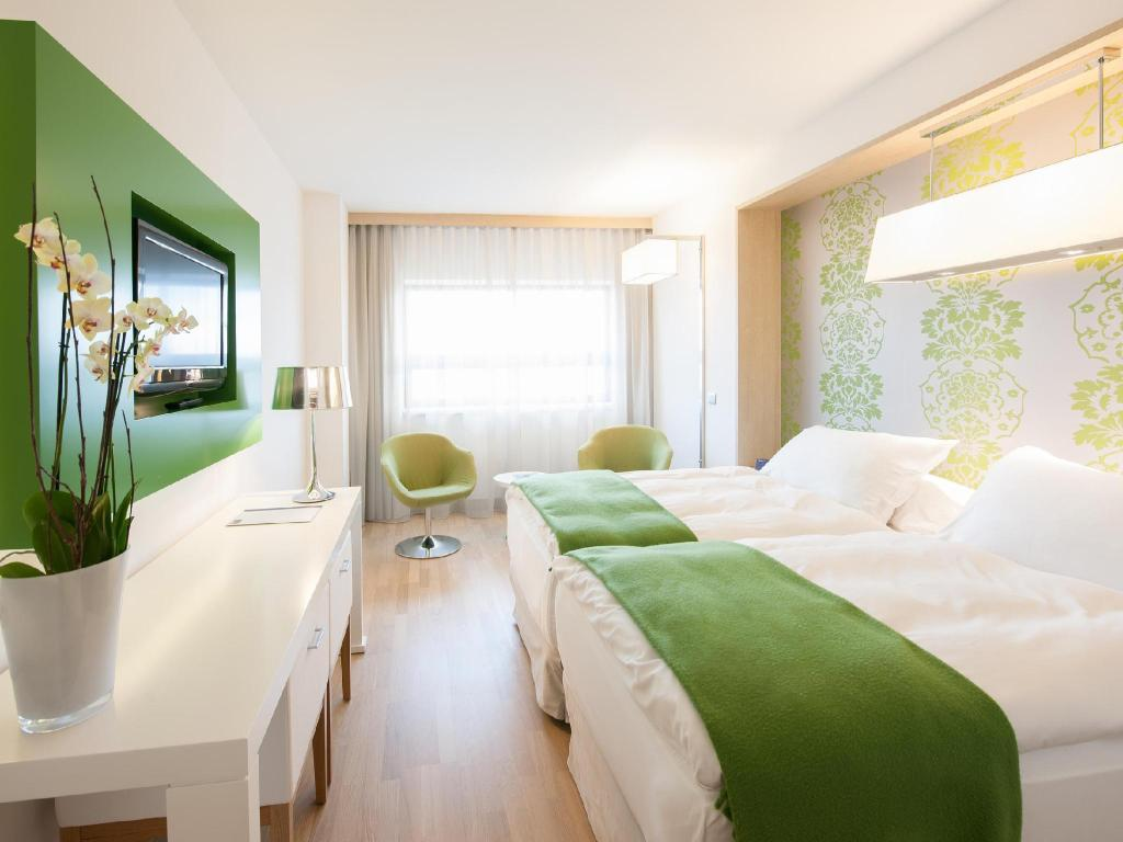 Superior Room - Guestroom Occidental Praha Five Hotel