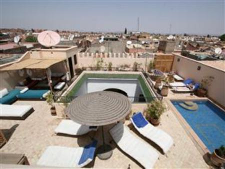 Swimming pool Riad Les Trois Mages