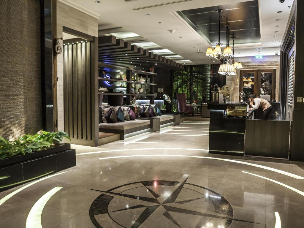 Lobby The Continent Bangkok by Compass Hospitality