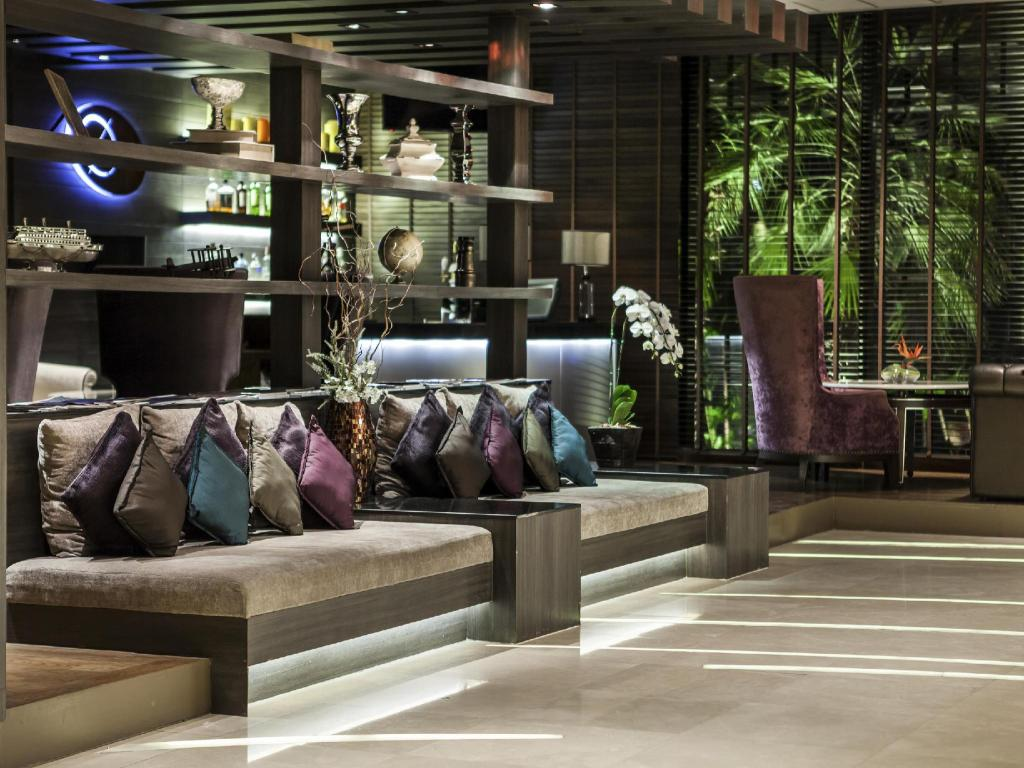 Лобби The Continent Hotel Bangkok by Compass Hospitality