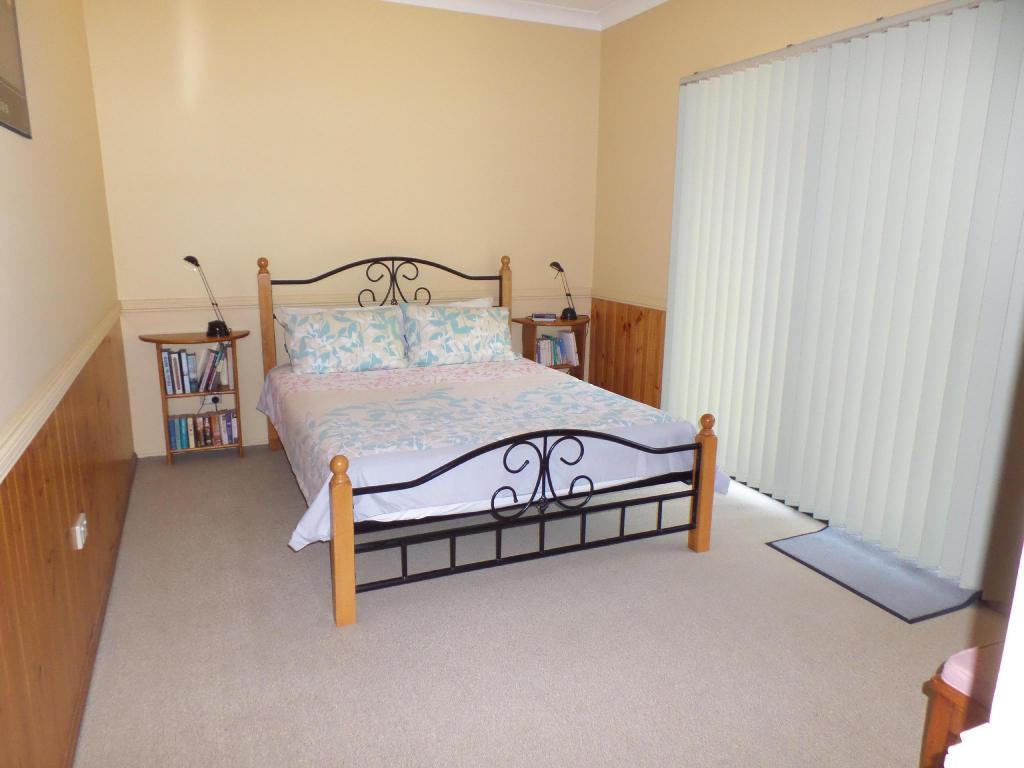 2 Bedroom Cottage - Bed Bungadoo Country Cottage